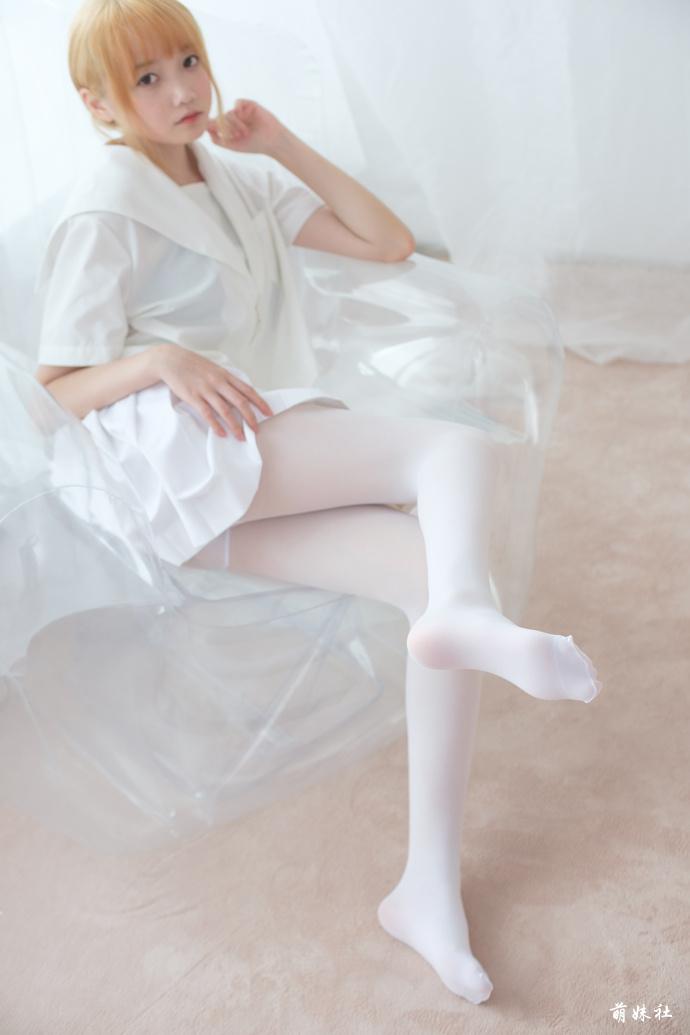 牛奶白丝私房萝莉 清纯丝袜