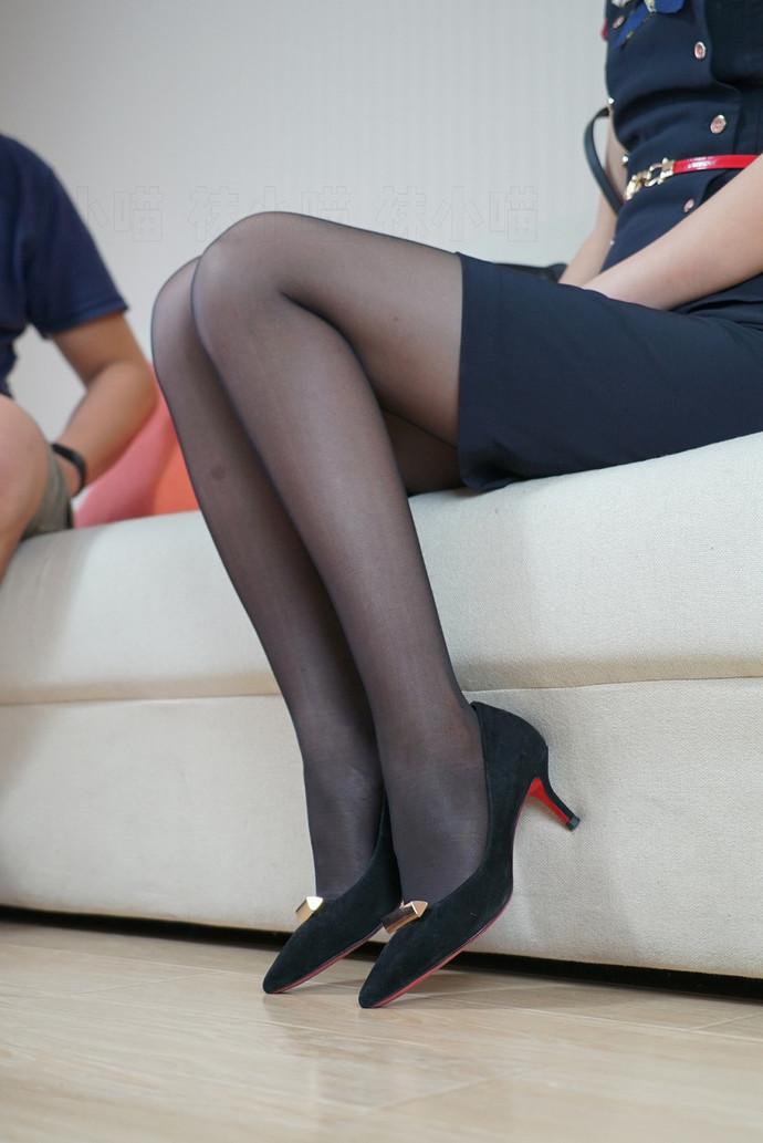 空姐黑丝湿身换丝袜 中日妹子
