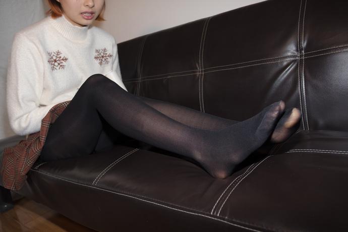 独自在家的黑丝小可爱 清纯丝袜