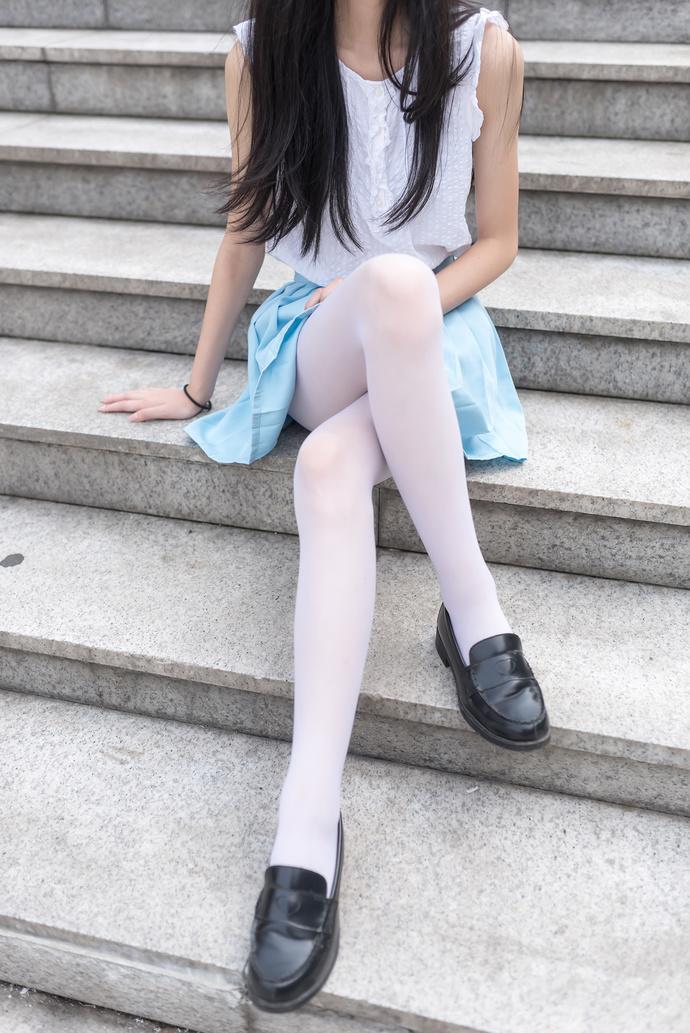 细腿翘臀萌萌哒 清纯丝袜