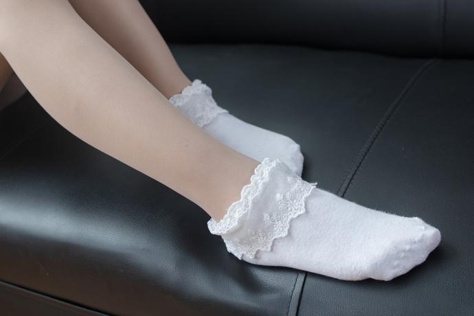 粉嫩的细腿还有短裙的同桌 清纯丝袜