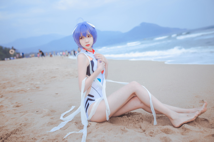 本套写真免费:泳装凌波女神 少女二次元