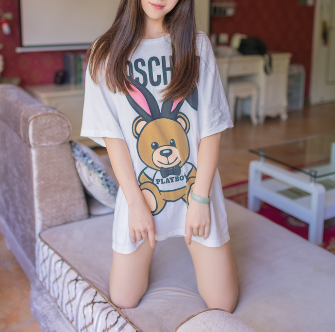 穿着小熊说睡衣的妹妹 中日妹子
