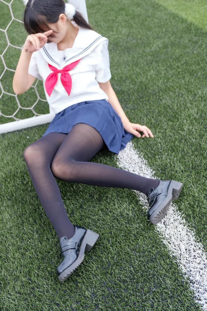 足球黑丝水手服妹子 清纯丝袜