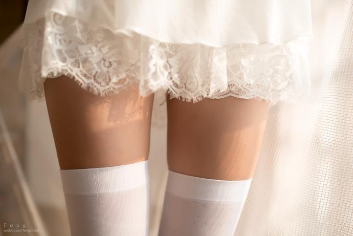 白裙果腿姐姐私房密照 清纯丝袜