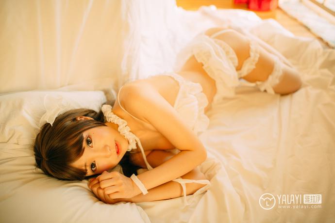 雅拉伊蕾丝清纯小姐姐私房照
