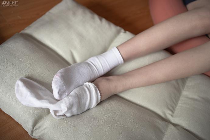 腿控小萝莉户外萌萌哒 清纯丝袜