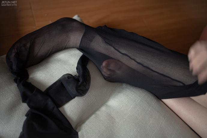 黑丝小萝莉脱下丝袜 清纯丝袜