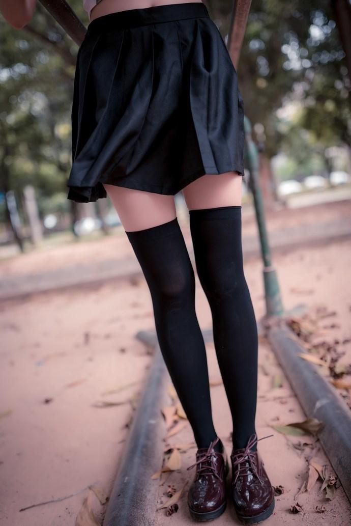 无法抗拒的黑丝绝对小萝莉 清纯丝袜
