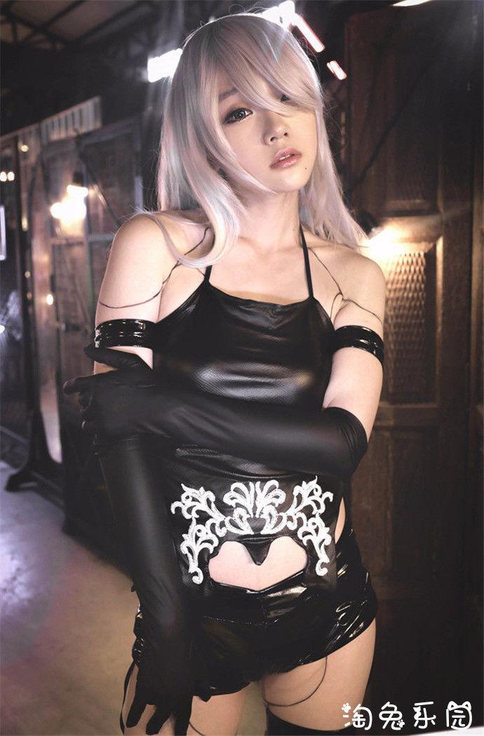 御姐风范的cos美少女尽显黑丝皮裤紧身诱惑