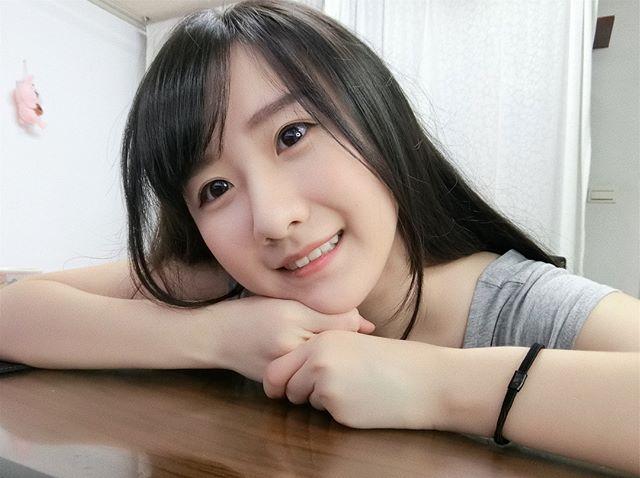 妹子图:甜美正妹李思娴萌翻天的无辜模样惹来众男粉的无限关爱