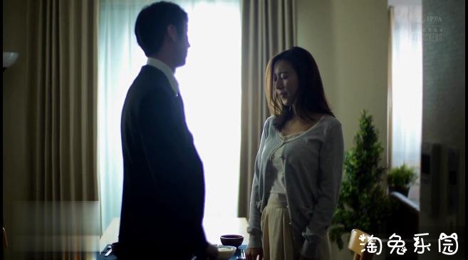 白衣天使松下纱荣子被病人下药了,任由他摆布