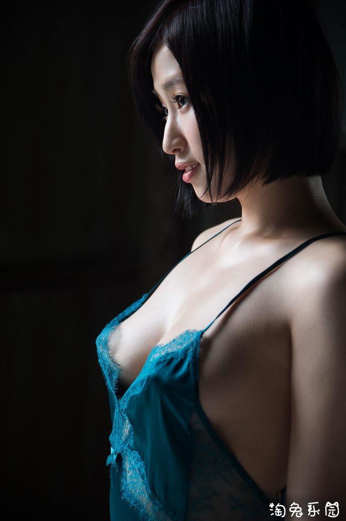 2019松永纱奈(松永さな,今永纱奈)最好看的作品:性感的女邻居