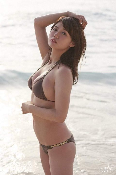 日本女星「井口绫子」因一张星巴克饮料照意外爆红-宅男说