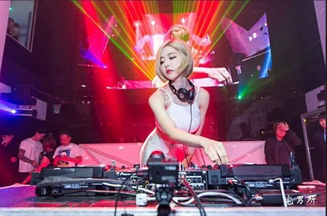 著名韩国性感女DJ SODA整容过头?这让人很尴尬啊~