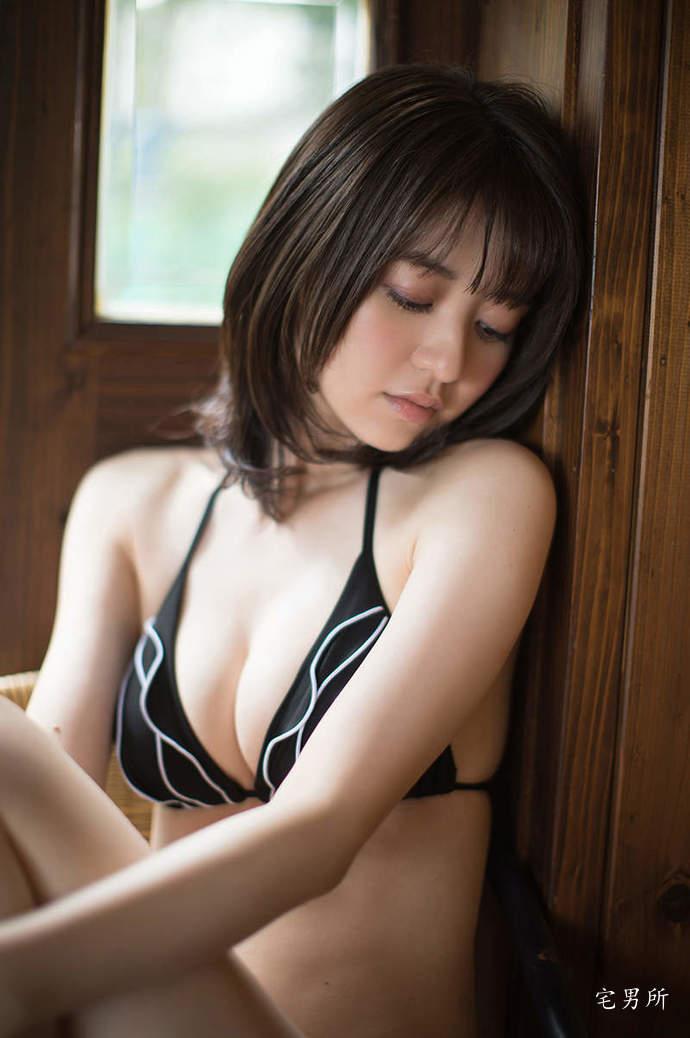 甜美D杯《逢泽莉娜》让青春停滞的日本美少女