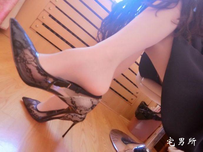 【丝袜美腿】可爱的肉丝袜茜公举-宅男说