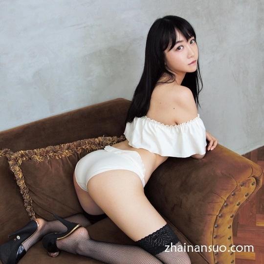 日本写真女神望月茉莉丰乳翘臀满满的小清新的味道-宅男说
