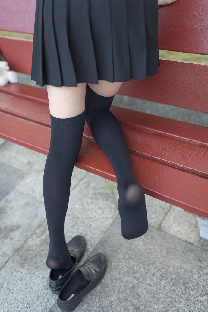 【妹子图】森萝财团X-003JK制服可爱小姐姐-宅男说