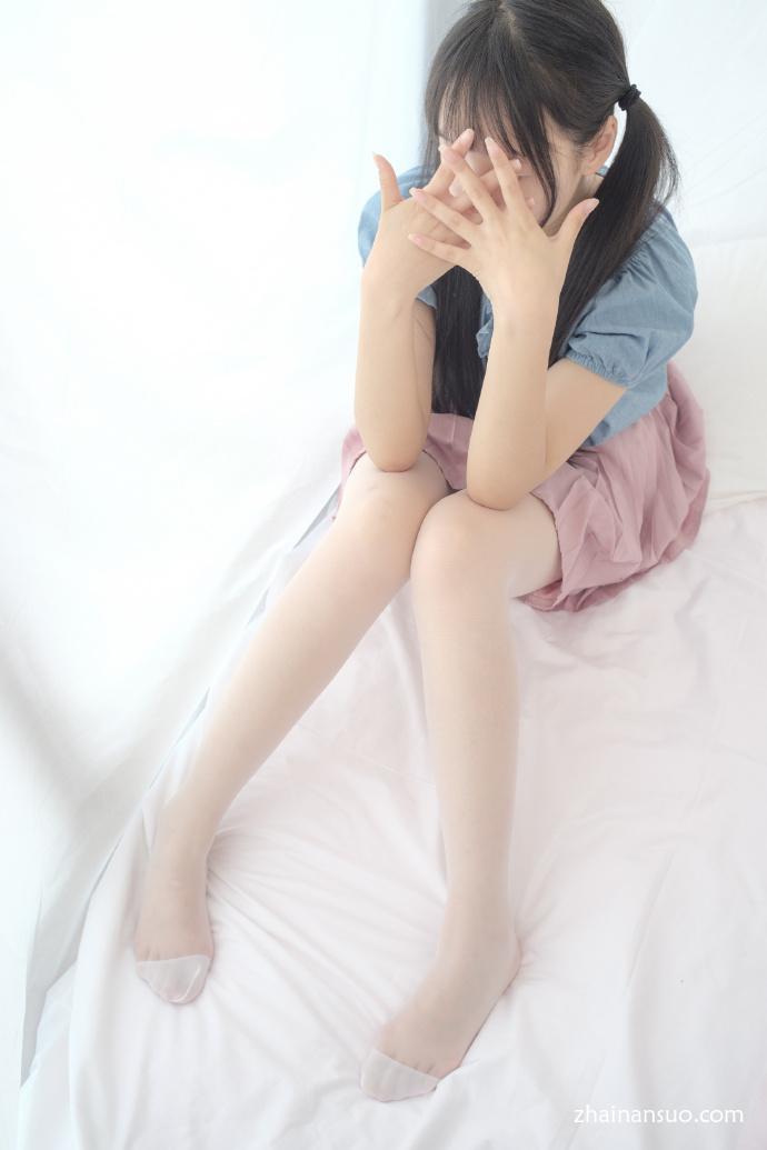 【妹子图】森萝财团[X-019]白丝小可爱-宅男说