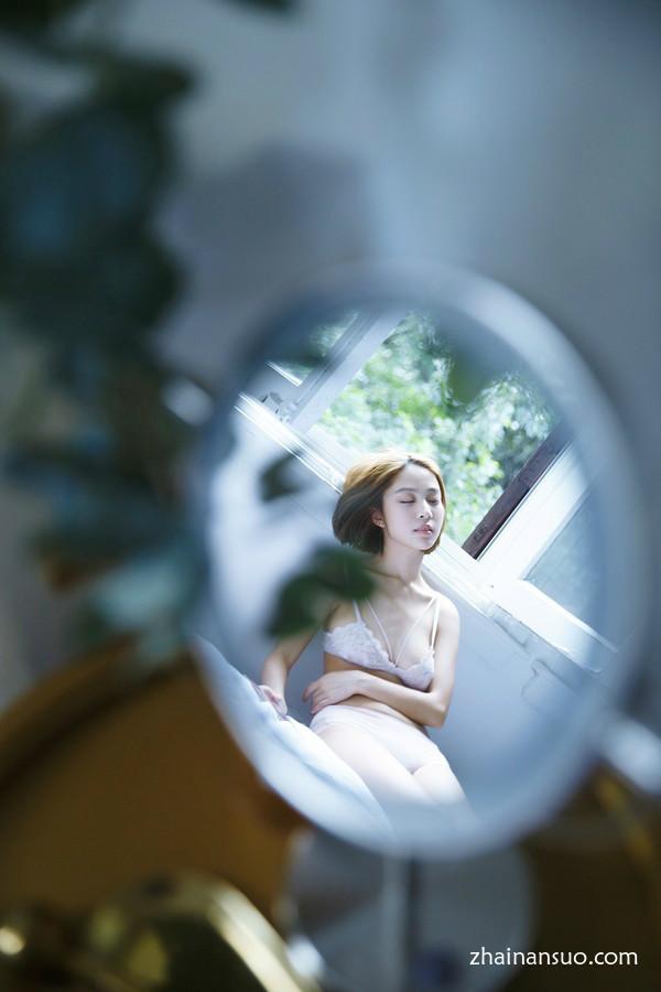 国模白灵大胆美女私处个人写真摄影-宅男说