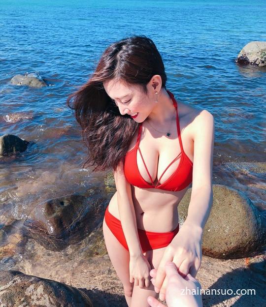 """""""最美女教师""""郑诗璇变身美丽的空姐 性感空姐身材前凸后翘-宅男说"""