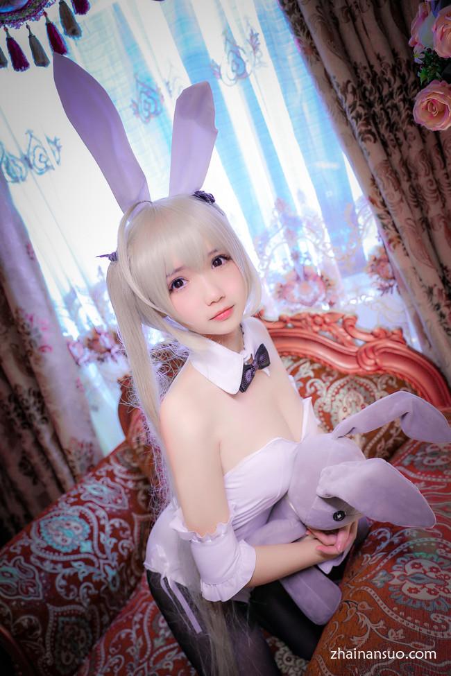 春日野穹黑丝袜兔女郎 你喜欢哪一直兔兔呢?-宅男说