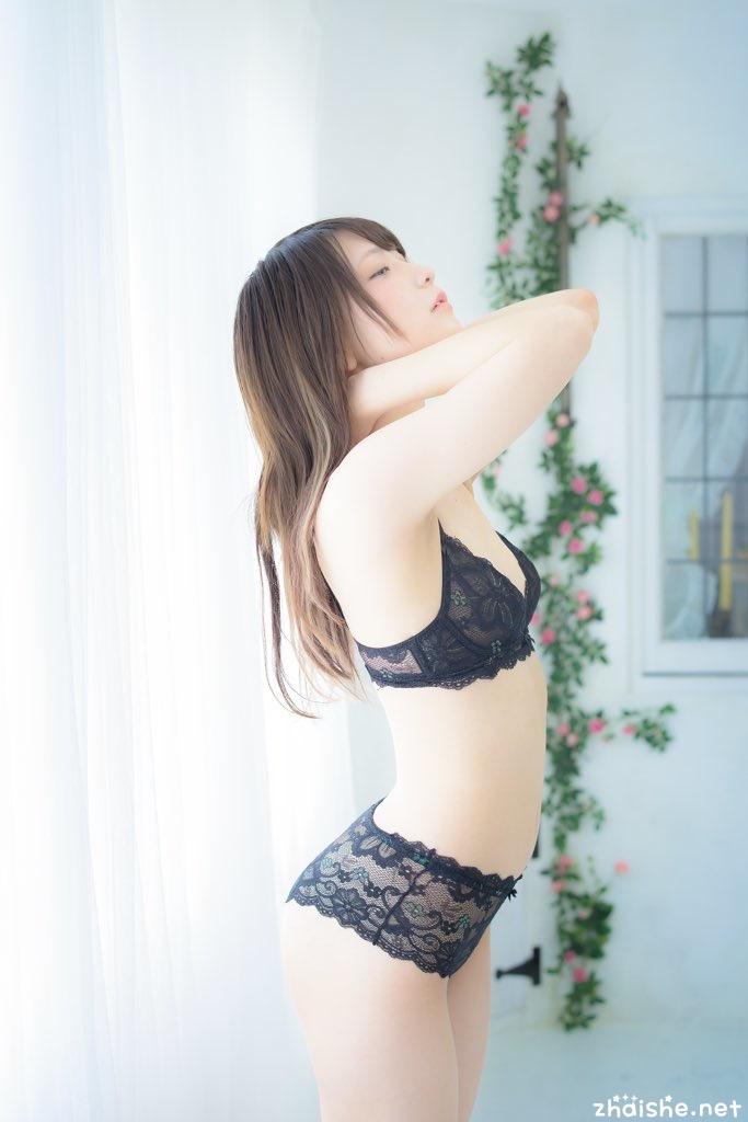 日本超可爱的あまつ様,黑丝COSER穿越二次元! 宅男女神