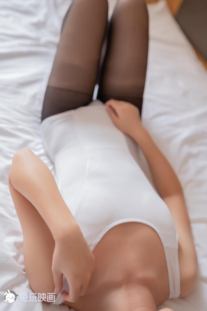 床上的黑丝(39P) 兔玩映画