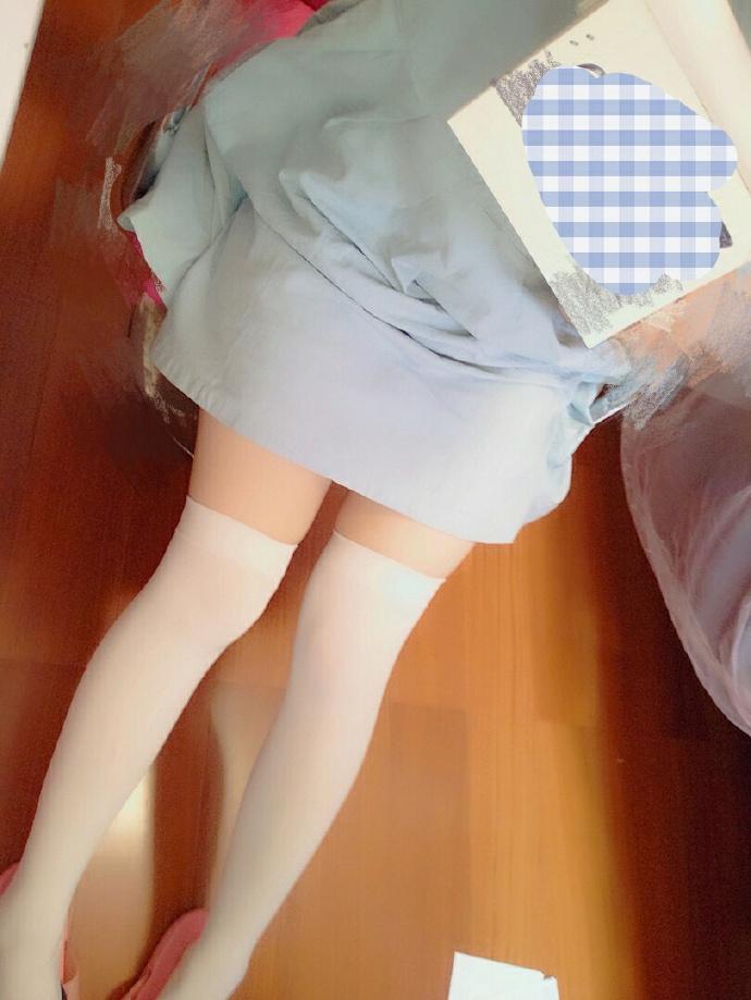 [萝莉自拍]双马尾的方向盘[46p]