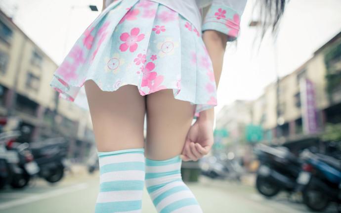 回馈姐夫本套图免费,萝莉小细腿,腿控福音