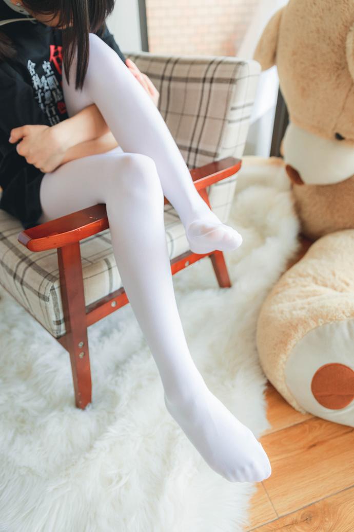 萝莉配上白丝这样的女友要不要 清纯丝袜