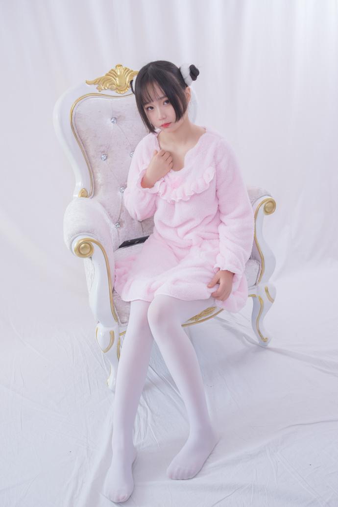 粉红色的白丝小朋友 清纯丝袜