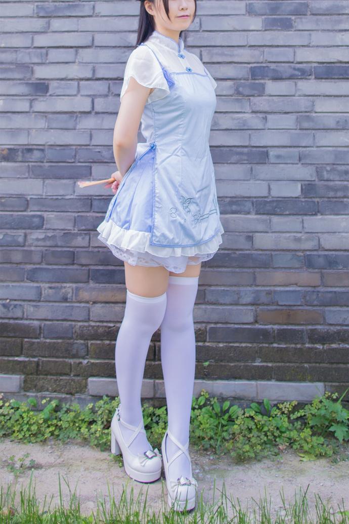 白丝旗袍妹妹野外 少女二次元