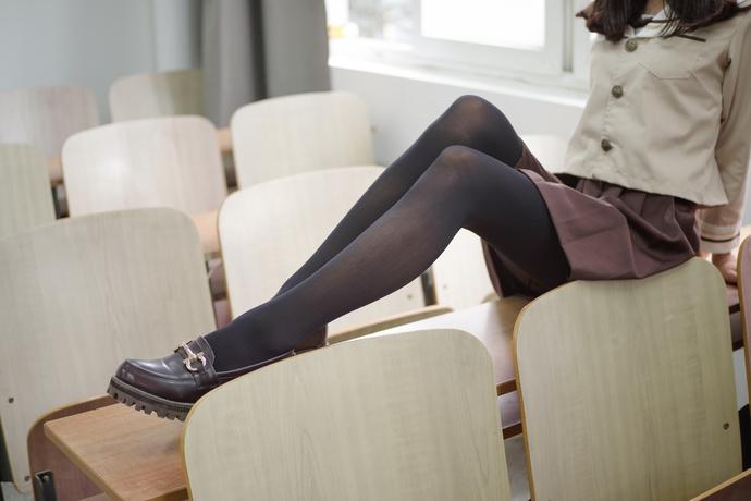 黑白控的丝袜萝莉