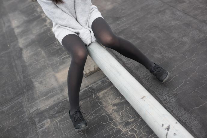 有点害羞的黑丝小女孩 清纯丝袜