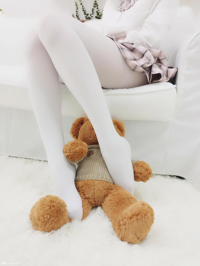 白丝美腿沙发短裙 清纯丝袜
