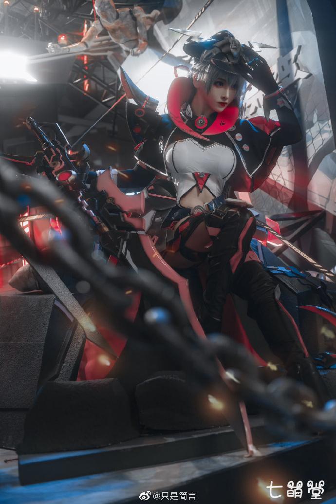 斗鱼二次元主播@只是简言cos机动战姬特斐尔图片 COS在线