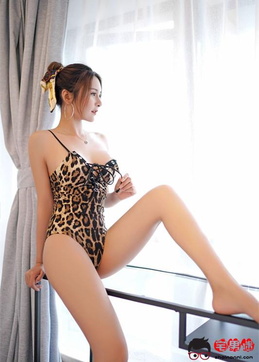 诱惑女神SOLO-尹菲,短装、运动、豹纹尽展曼妙身材!