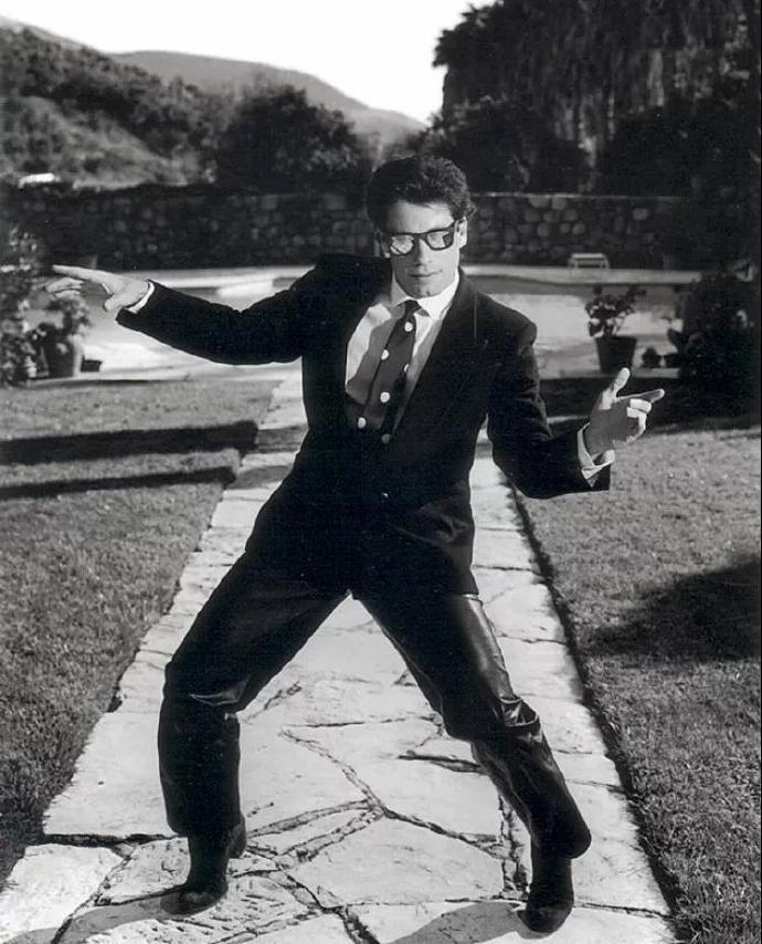 94年电影低俗小说百度云下载百度网盘约翰·特拉沃尔塔电影下载低俗小说跳舞片段 第3张