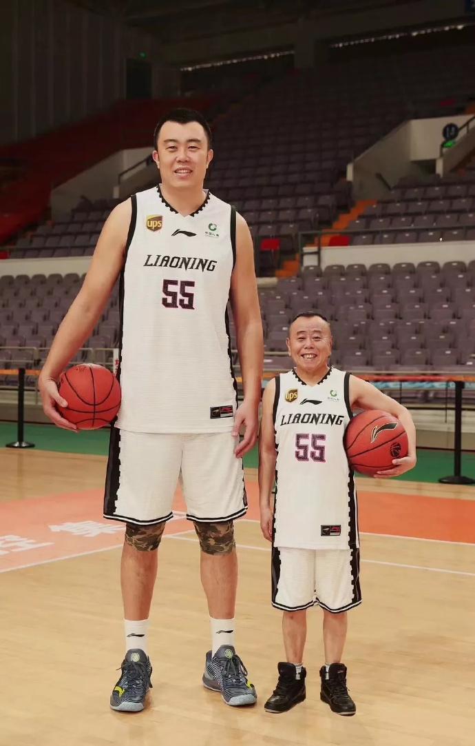 韩德君和潘长江大爷的这最萌身高差真的是魔性 第27张