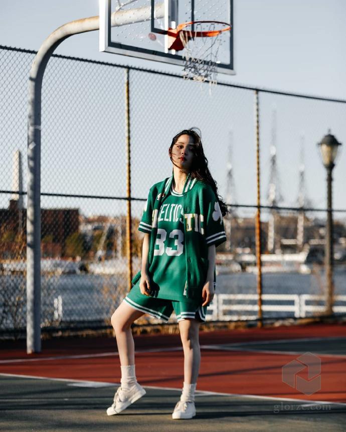 CLOT陈冠希欧阳娜娜NBA球衣高清写真凯尔特人拉里伯德魔术师约翰逊 第4张