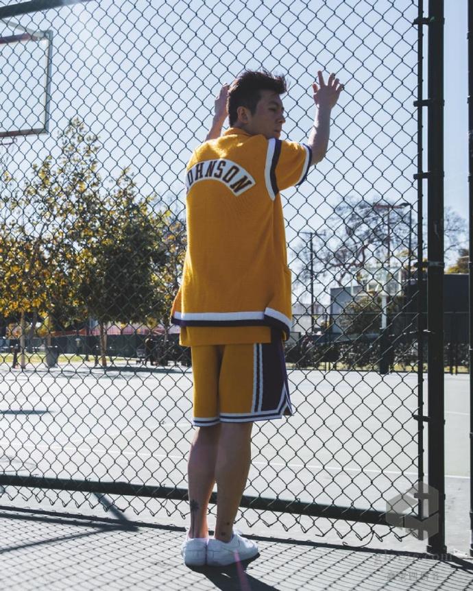 CLOT陈冠希欧阳娜娜NBA球衣高清写真凯尔特人拉里伯德魔术师约翰逊 第8张