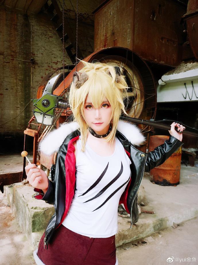 【cos正片】《明日方舟》推进之王 cosplay欣赏 cosplay-第2张