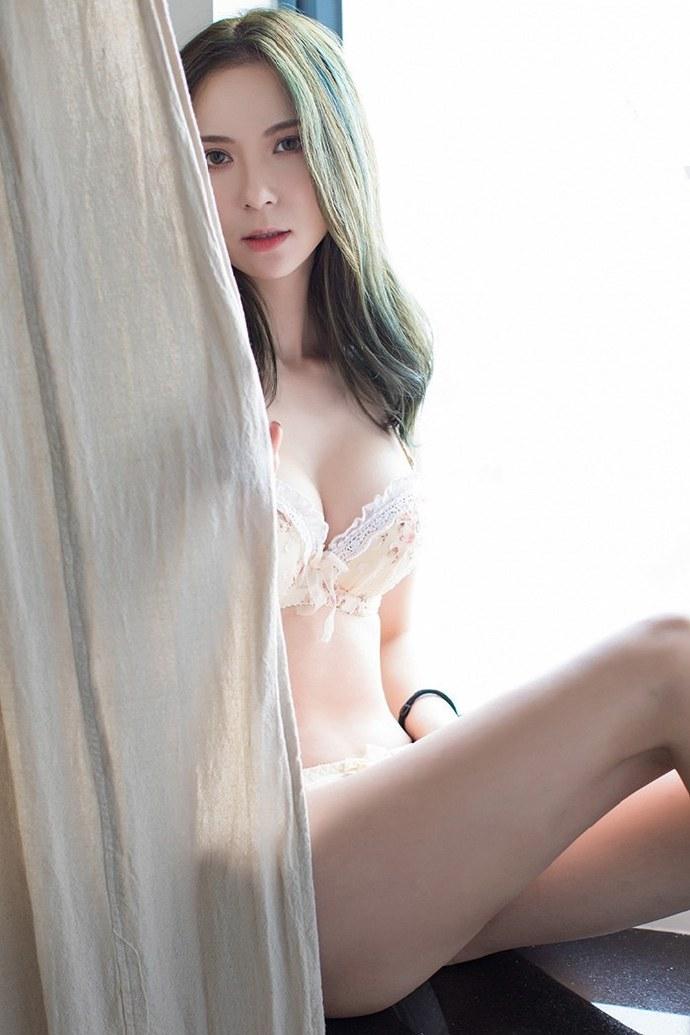初中女生下边啥样图片 一丝不遮正面的女人照片100张