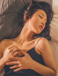 西西艺术高清大图36o图片 韩国人17女生光着身子照片