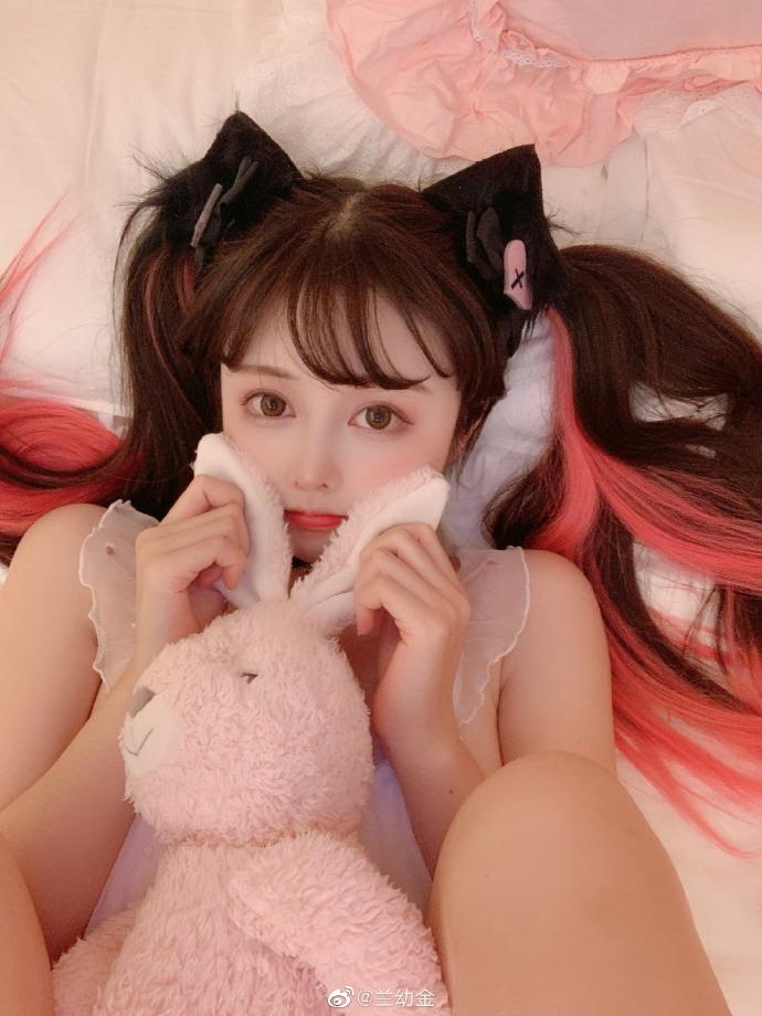 兰幼金 长相可爱甜美的卡哇伊小美女 养眼图片 第6张