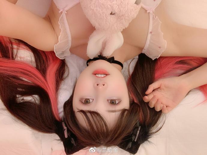 兰幼金 长相可爱甜美的卡哇伊小美女 养眼图片 第5张