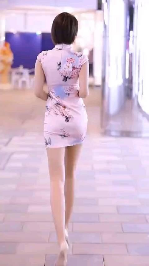 旗袍好看还是腿好看