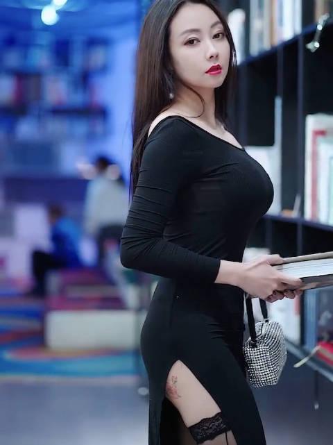 一条裙子的性感,身材不性感,穿啥都没用